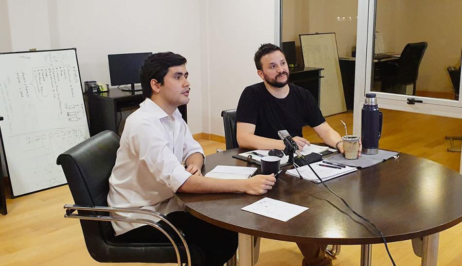 Agustín Romero moderó el conversatorio con referentes de la Arquitectura