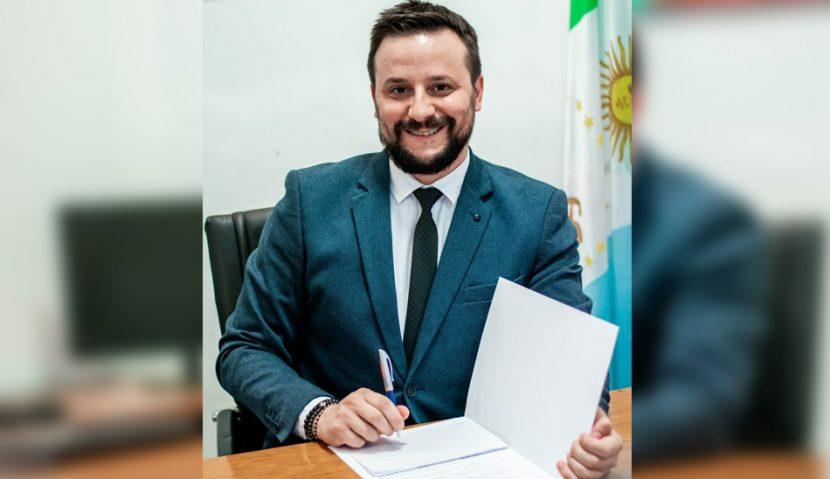 Firma de acuerdo FAU UNN E-unne - Presidencia del Concejo- Agustín Romero