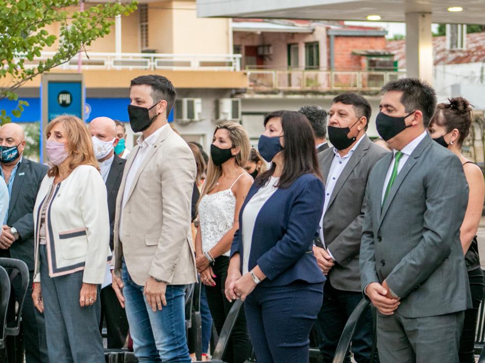La Ciudad celebró los 143 años en el monolito de la Av. Ávalos